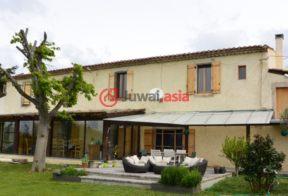 居外网在售法国最近整修过的房产总占地90000平方米EUR 1,595,000