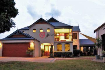 居外网在售澳大利亚4卧3卫原装保留的房产总占地1012平方米AUD 1,100,000
