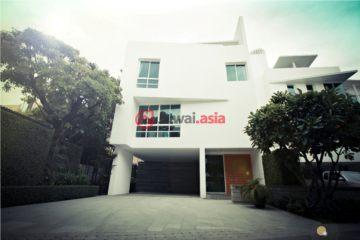 居外网在售泰国4卧4卫最近整修过的房产总占地330平方米USD 2,000,000