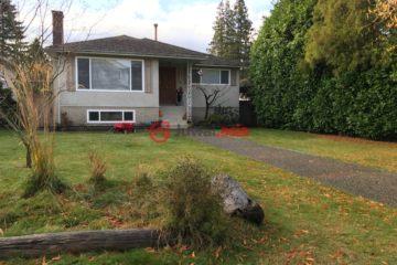 居外网在售加拿大5卧2卫最近整修过的房产总占地627平方米CAD 3,000,000