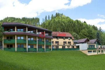 居外网在售奥地利GröbmingEUR 1,600,000总占地5200平方米的商业地产