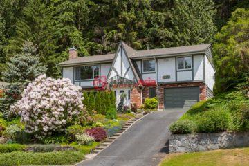 居外网在售加拿大North Vancouver4卧3卫的房产总占地753平方米CAD 1,695,000